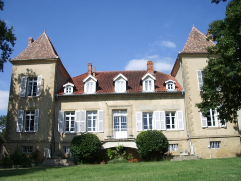First-time rental for magical chateau image