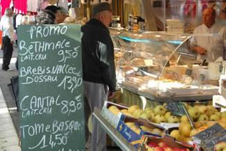 St Vivien du Medoc market day