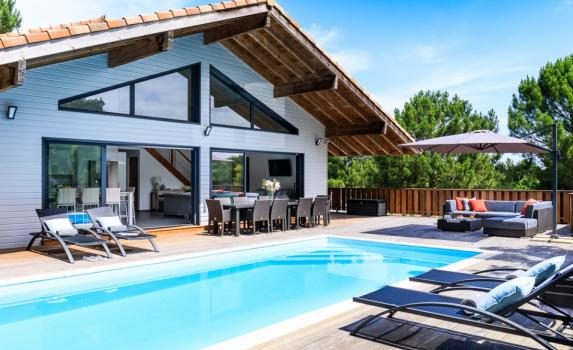 Aquitaine Coast villas with private pools