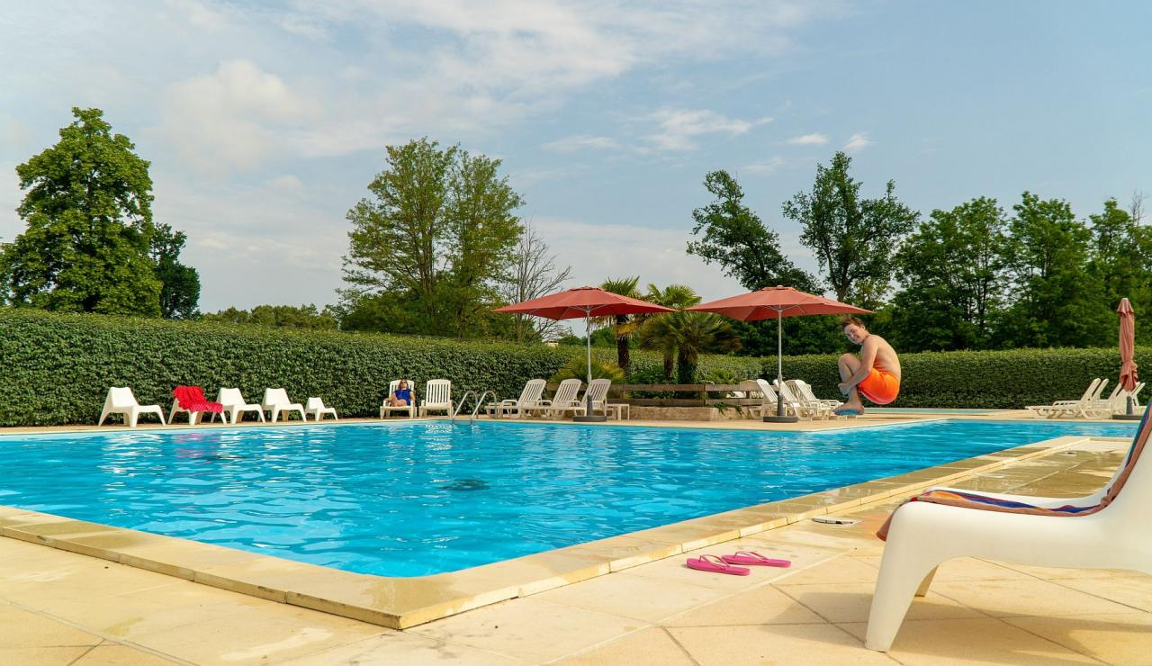 chateau-de-salles-heated-pool