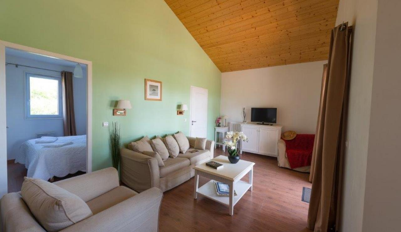 cottages-du-lac-living-area-2