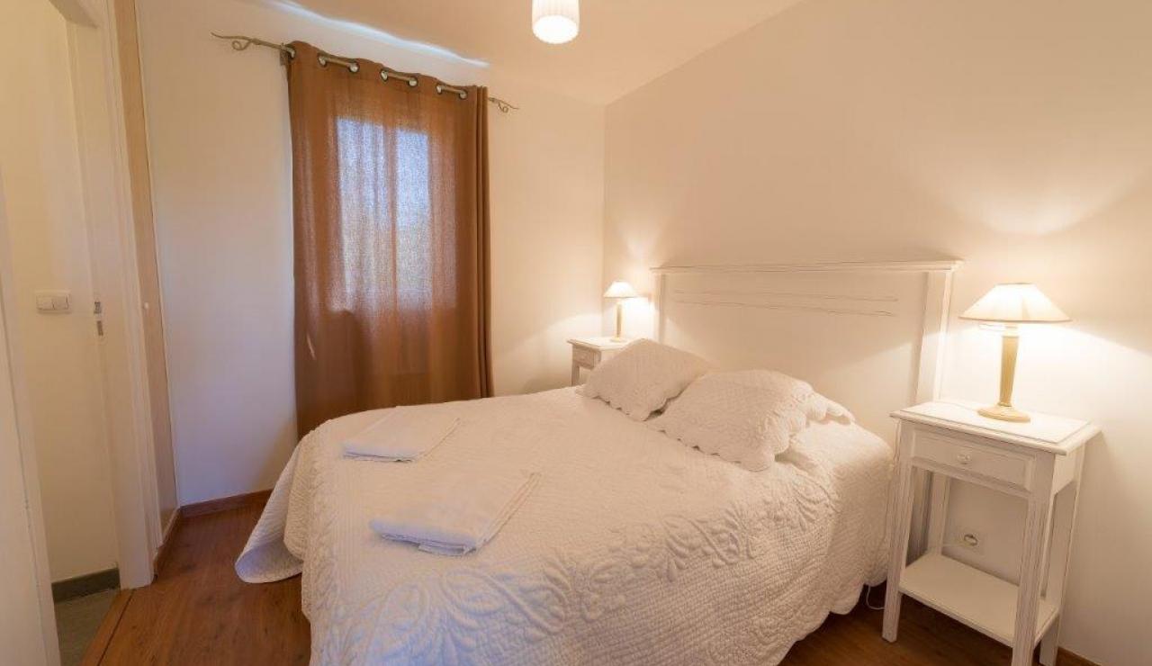cottages-du-lac-bedroom