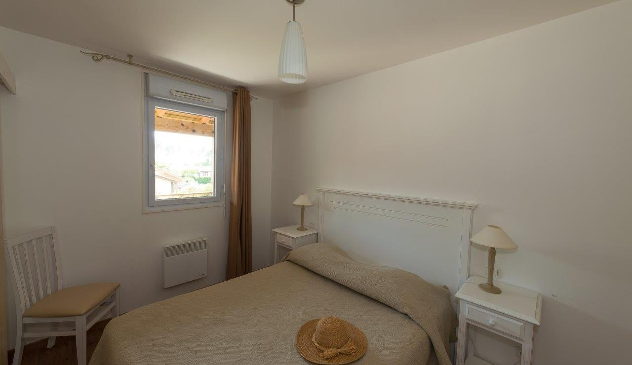 cottages-du-lac-apartment-bedroom