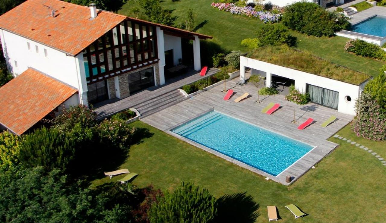 villa-akotz