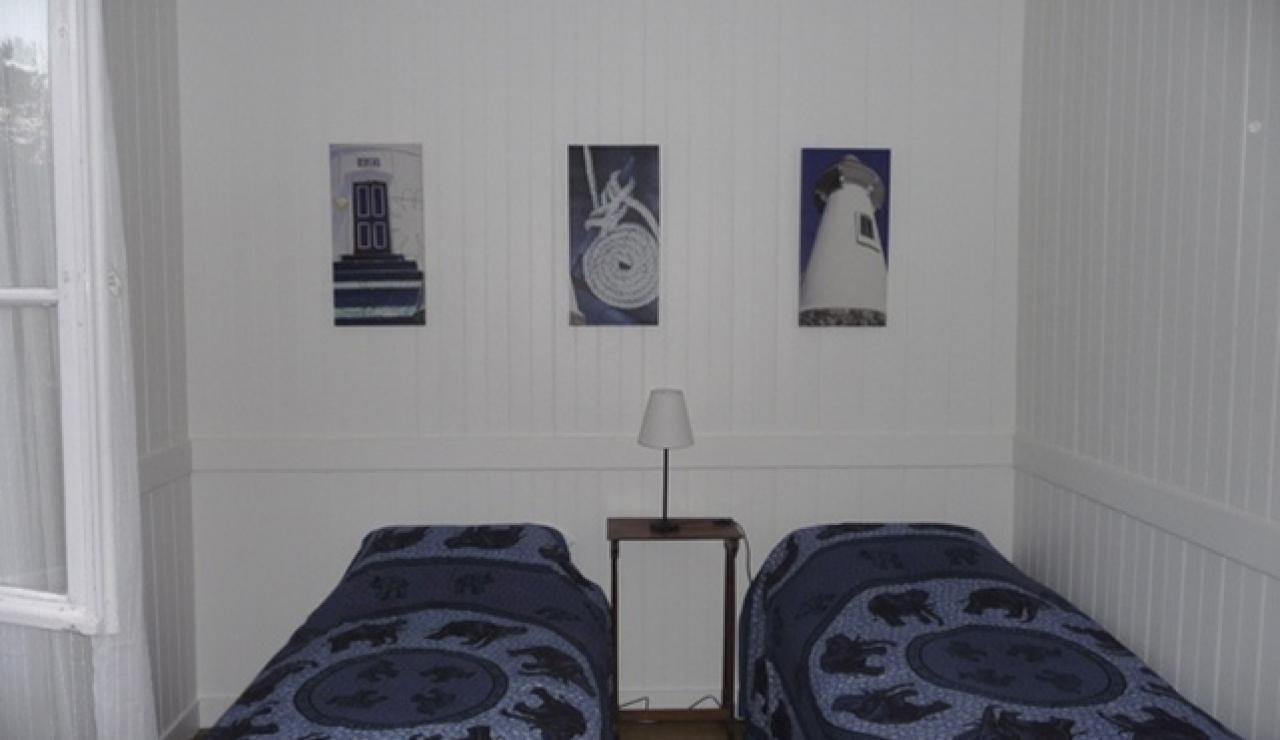114 Cabane Mimbeau twin beds