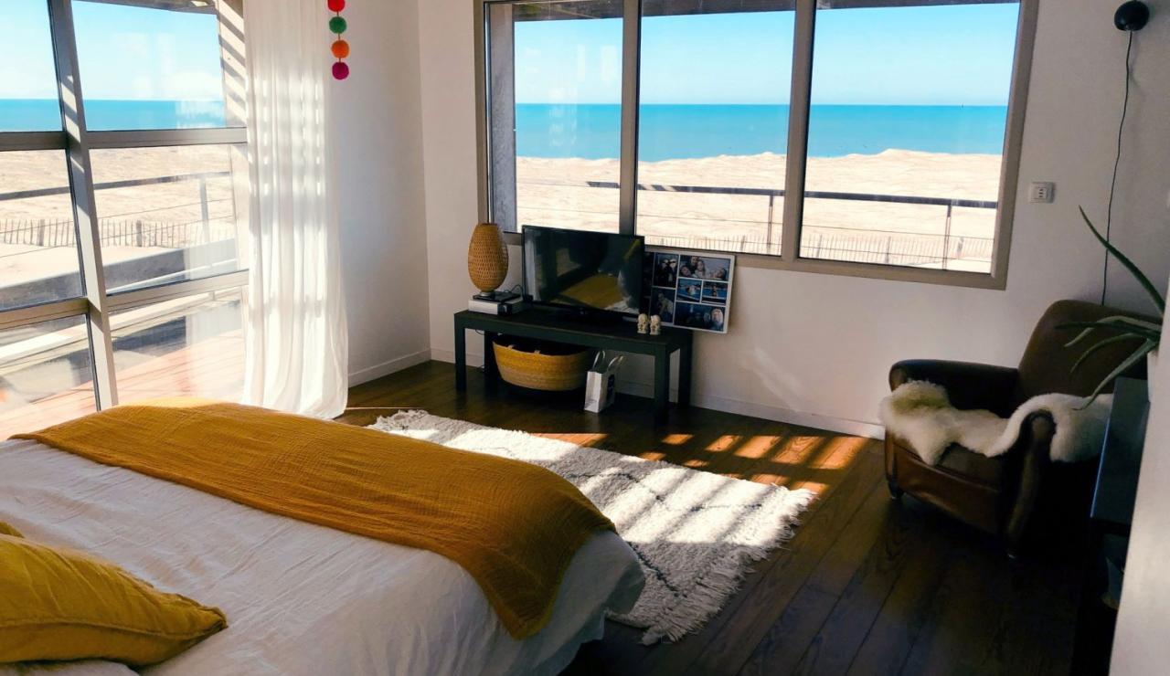 luxury-hossegor-sea-view-villa-master-bedroom
