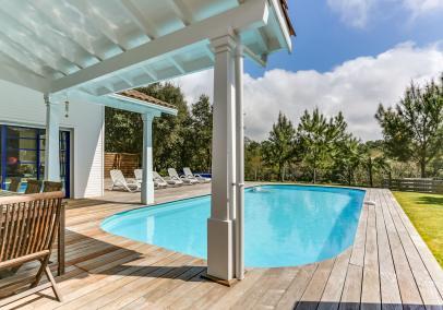 Moliets walk to beach villa heated pool