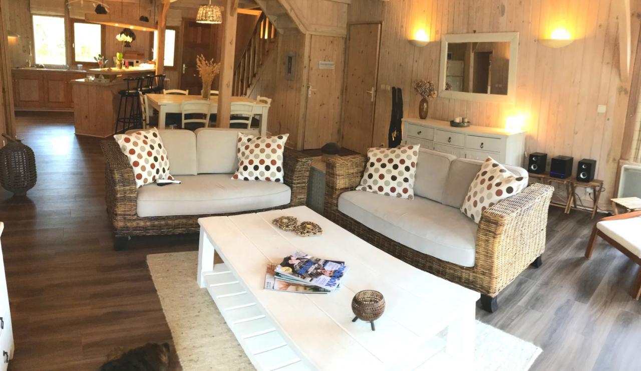 biscarropsse-heated-pool-villa-living