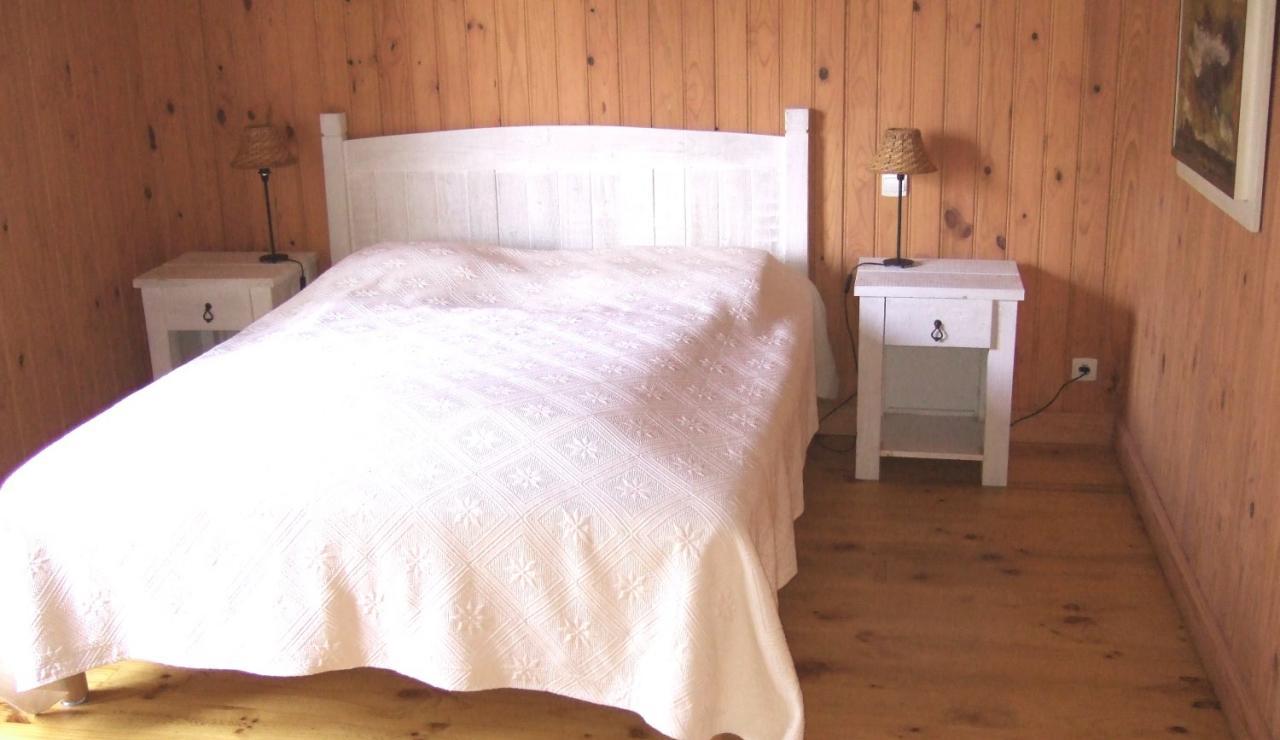 biscarrosse-villa-heated-pool-bedroom-2