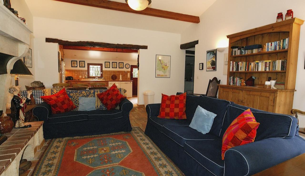 014 Chez Bergerie lounge