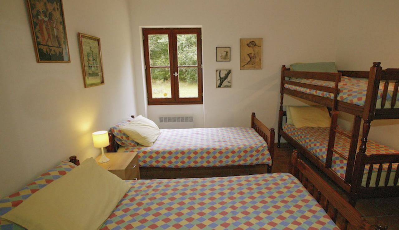 014 Chez Bergerie bed 2