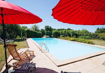 Le Relais shared heated swimming pool