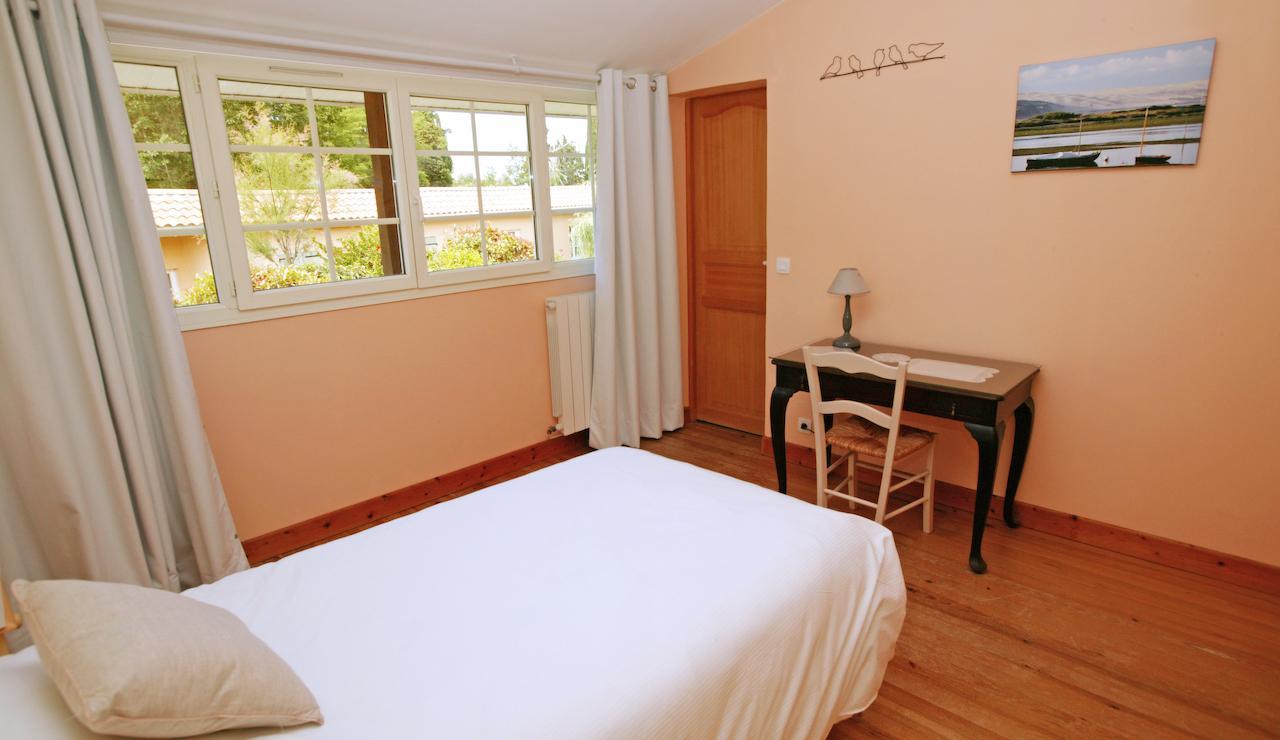 charming-bordeaux-vineyard-holiday-cottage-single-bedroom