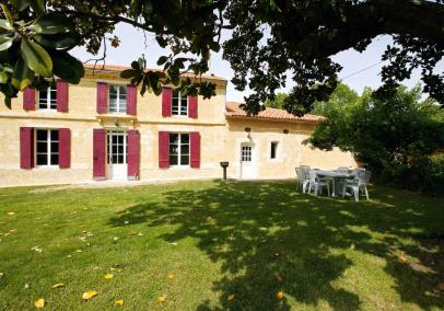 villas in bordeaux with pool | Maison des Vignes