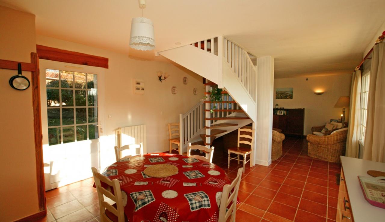 domaine-des-vignes-cottage-living-room