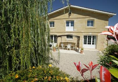 villas in bordeaux with pool | Relais des Vignes
