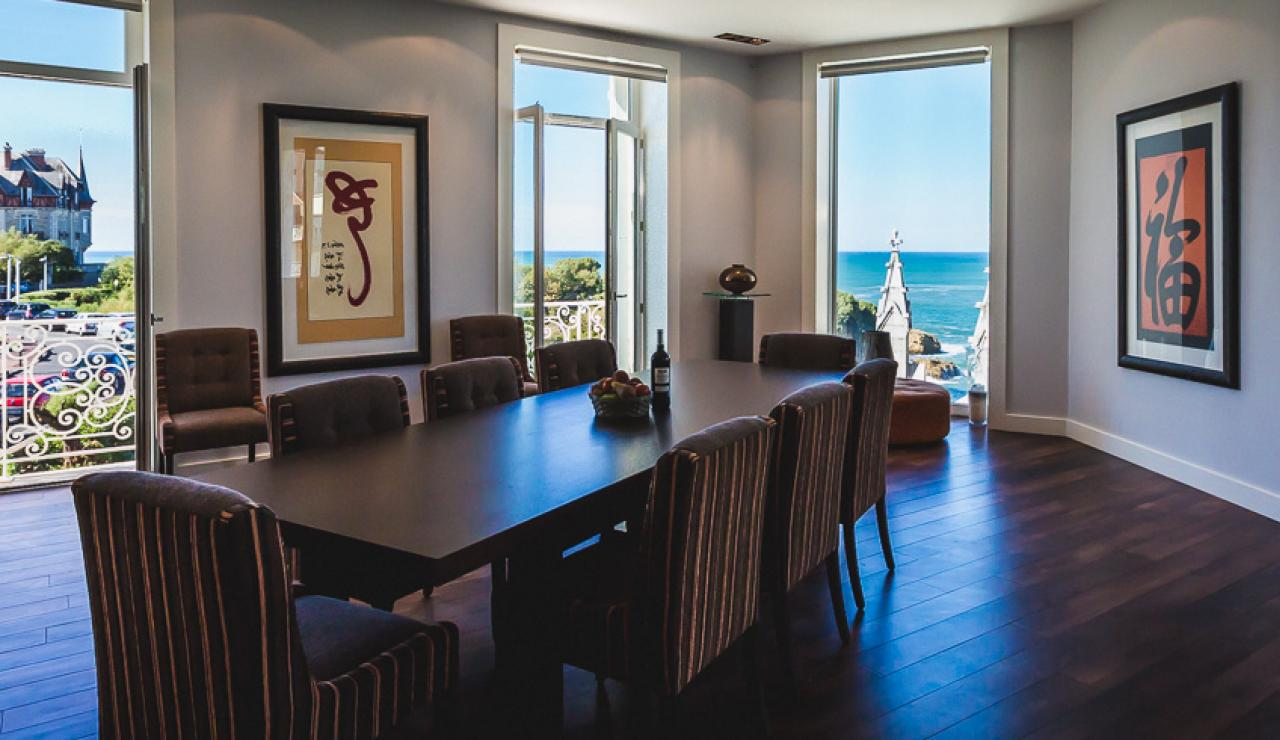 light-and-spacious-living-area-with-sea-views
