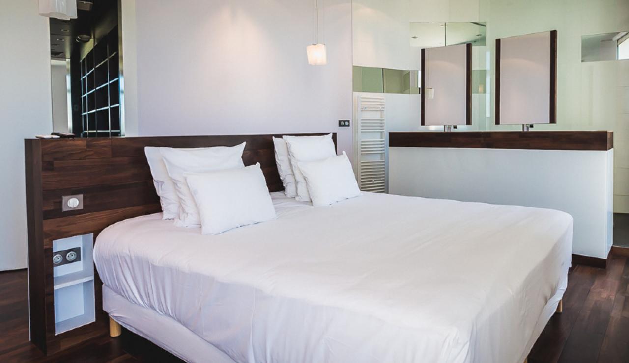 master-bedroom-suite