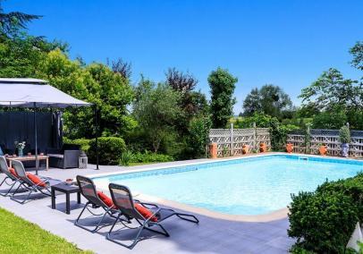Clos de Chinon Luxury Dordogne villa with pool