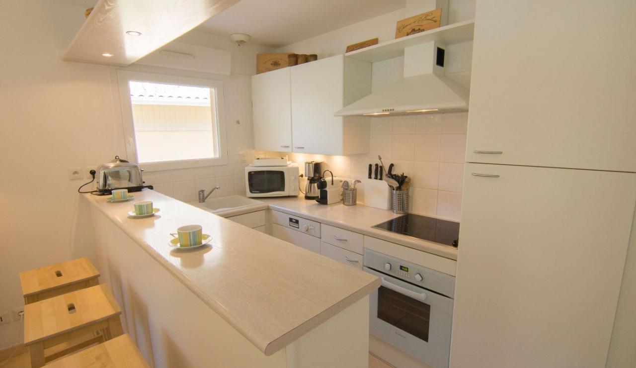 eden-club-villa-21-lacanau-kitchen-2