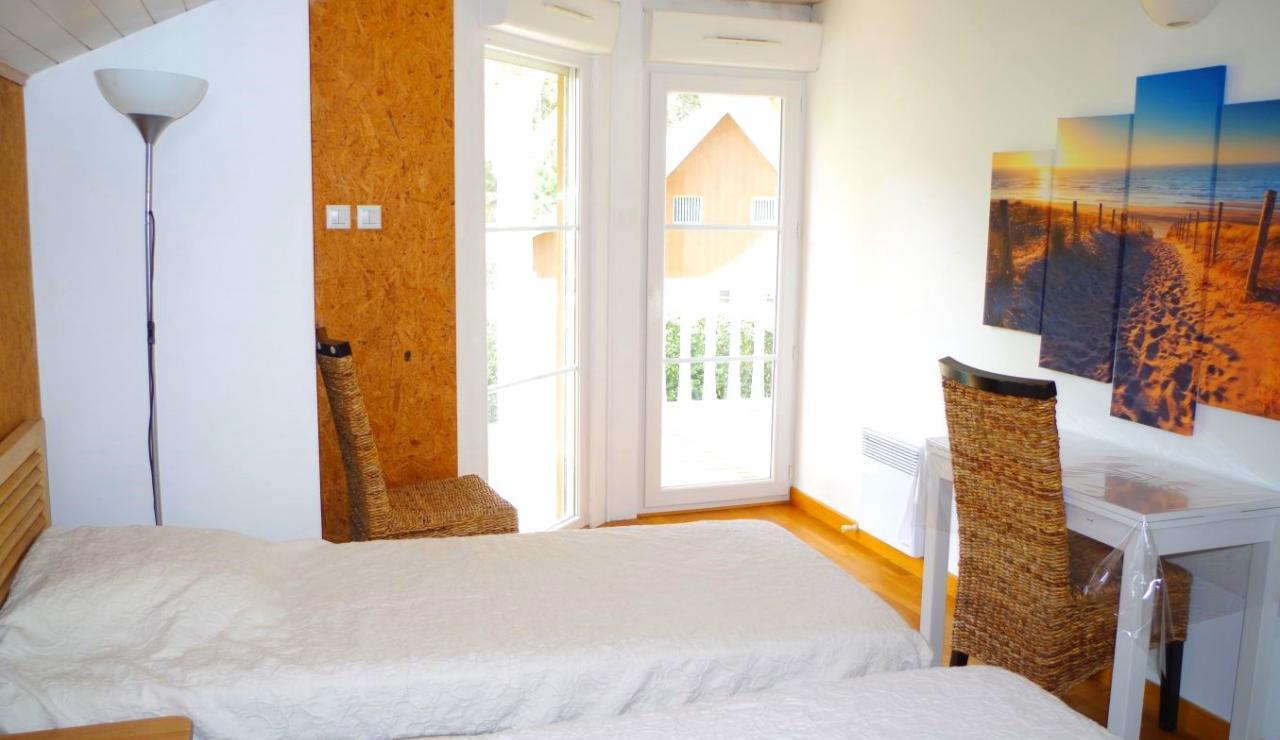 eden-club-villa-6-lacanau-twin-bedroom-2