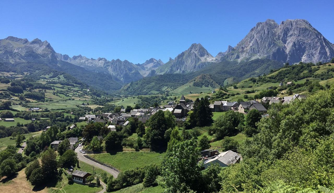 cirque-de-lescun-french-pyrenees
