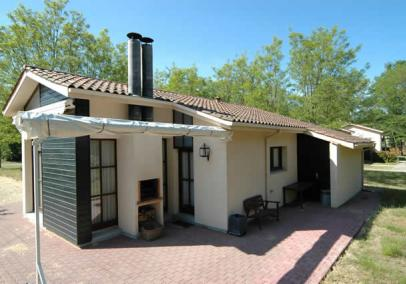 Short term accommodation Arcachon, France | Chateau Chateau de Salles 2 bed Classic lodge (A)