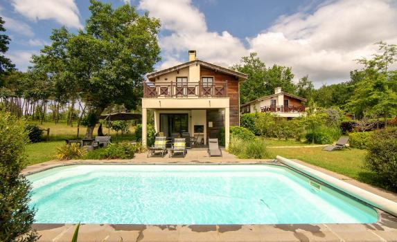 short term accommodation in bordeaux | Chateau Salles 3 bed villa with pool