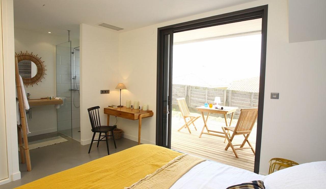 lower-level-bedroom-suite
