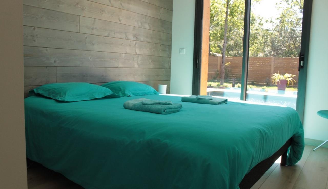 heated-pool-villa-moliets-bedroom