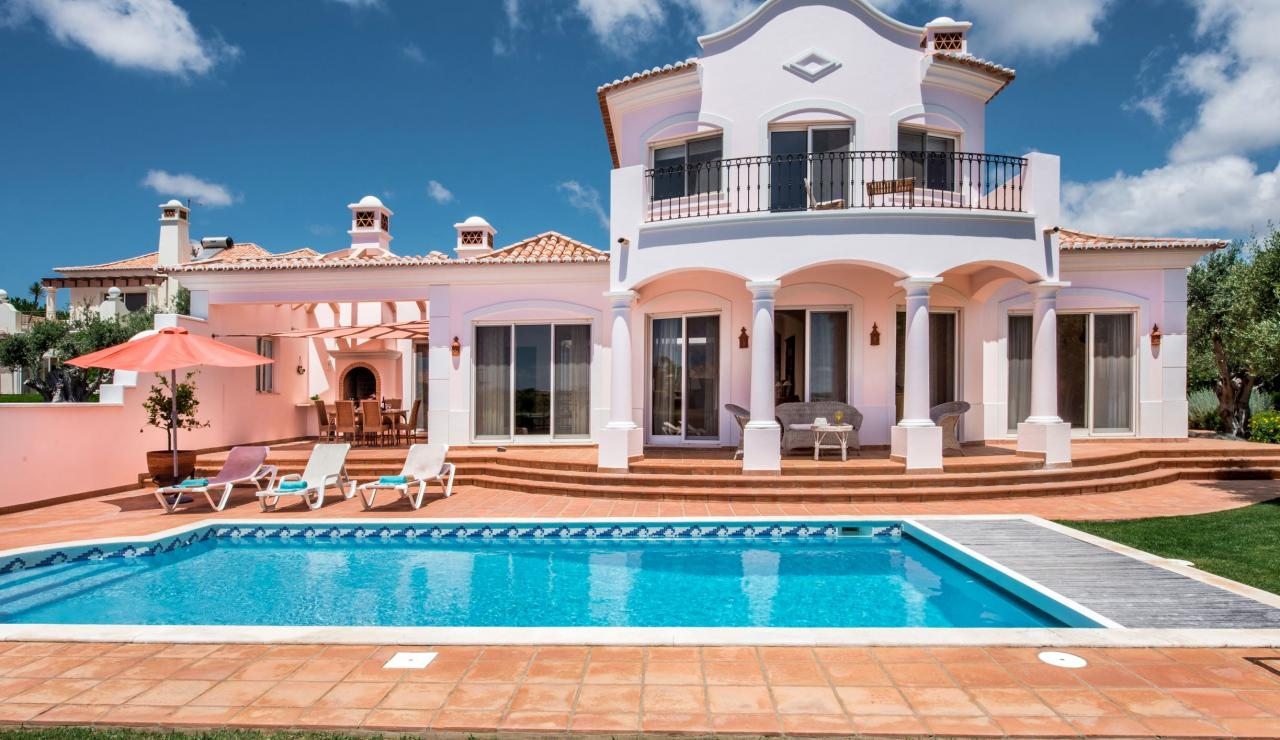 villa-and-pool