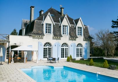 Chateau Sillegue holiday rental south west France
