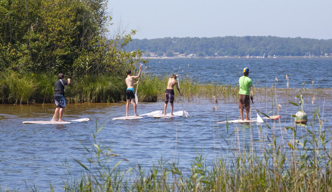 lacanau-lake-paddle-boarding