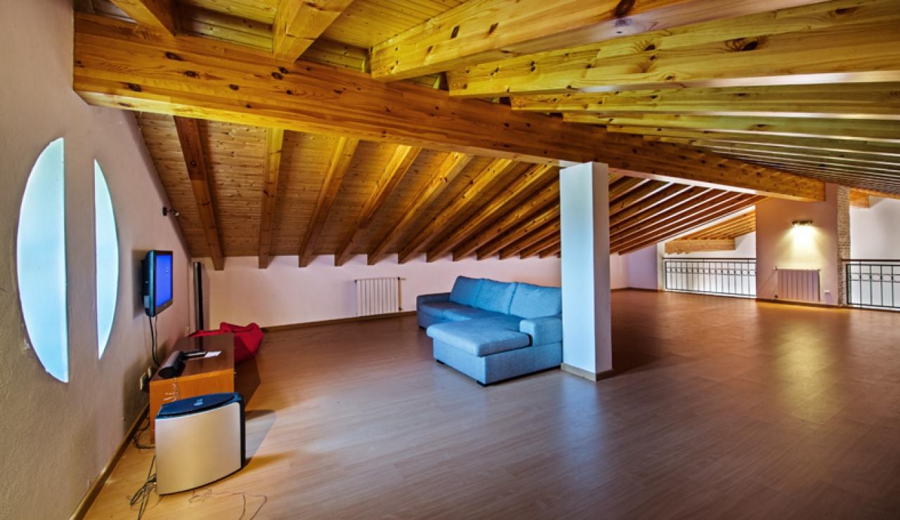 mezzanine-living-area