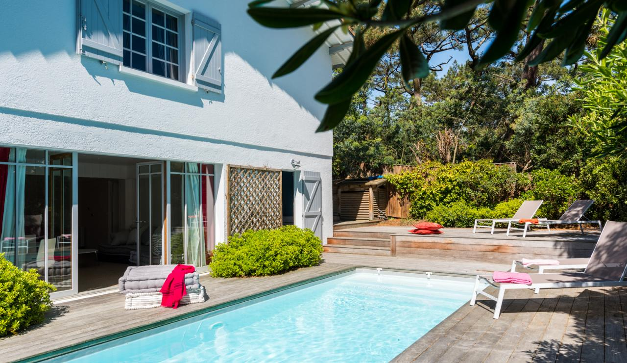 stylish-cap-ferret-villa-with-pool-walk-to-beach