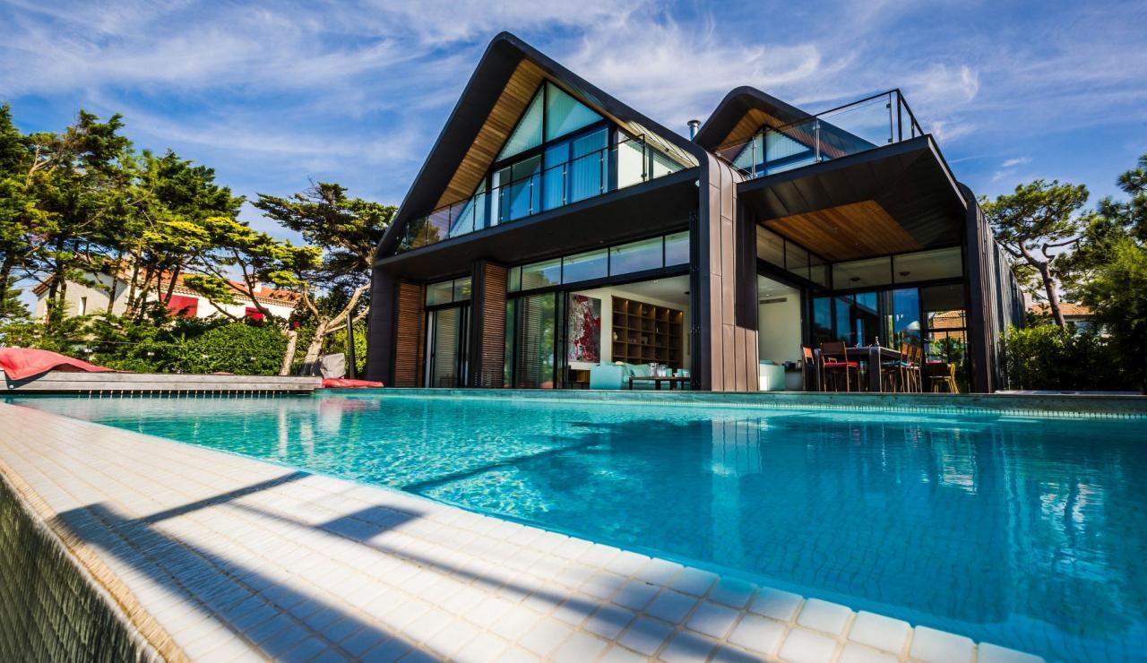 luxury-biarritz-villa-madrague