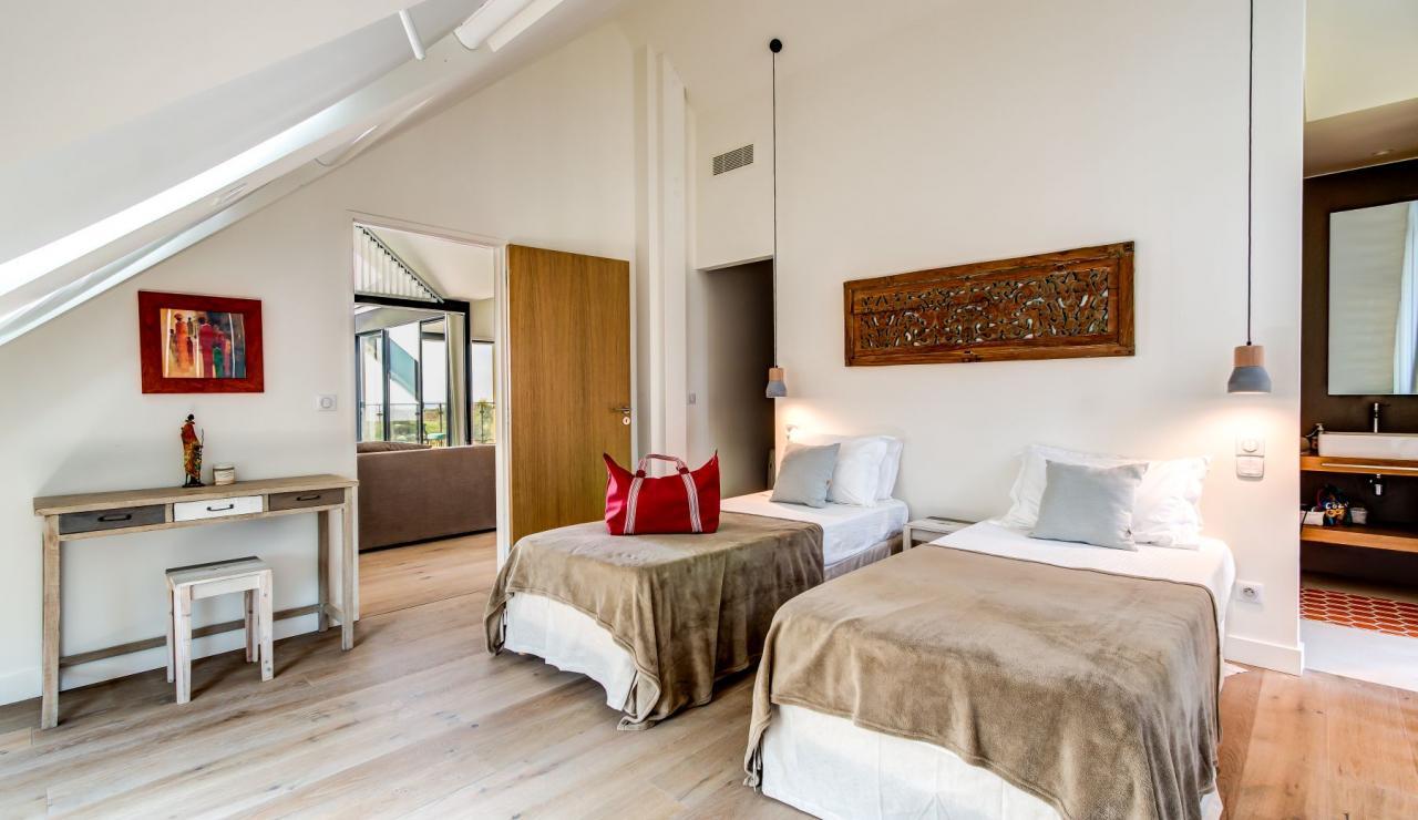 luxury-biarritz-villa-madrague-bedroom-5