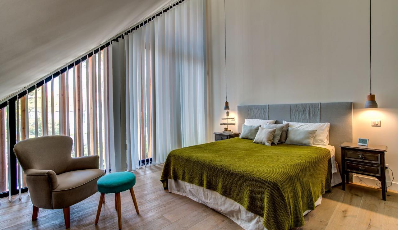 luxury-biarritz-villa-madrague-bedroom-6