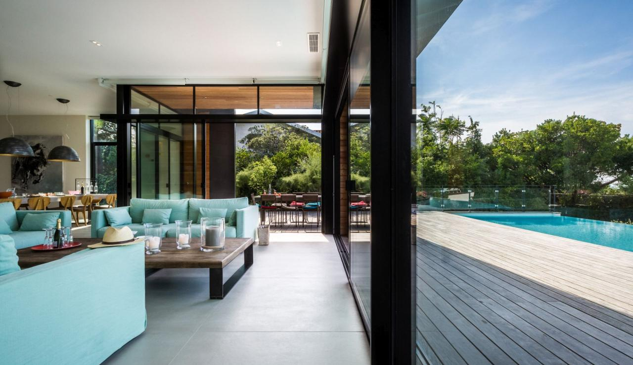 luxury-biarritz-villa-madrague-living
