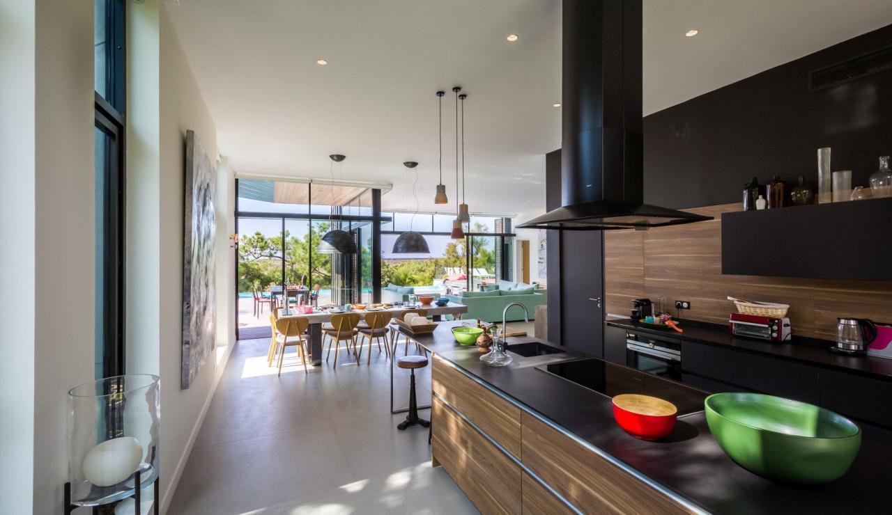 luxury-biarritz-villa-madrague-kitchen