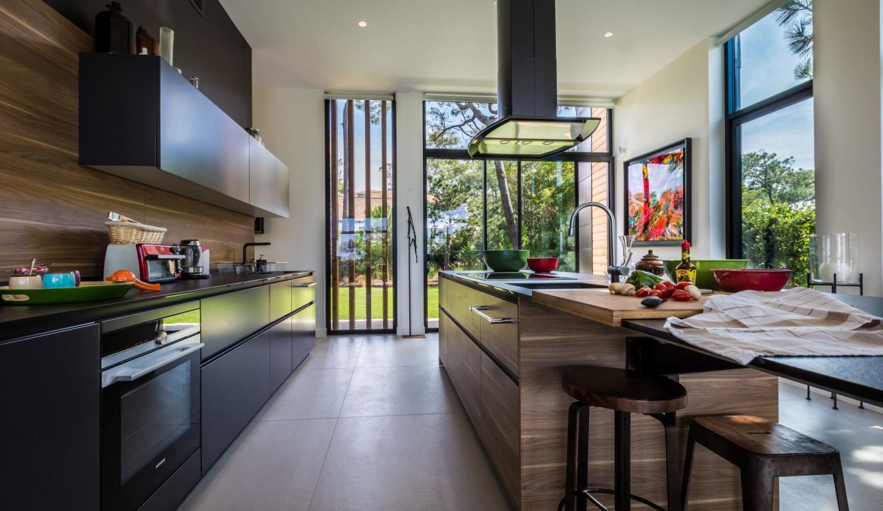 luxury-biarritz-villa-madrague-kitchen-2