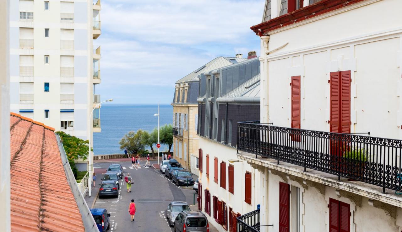 biarritz-apartment-petite-plage-street-view