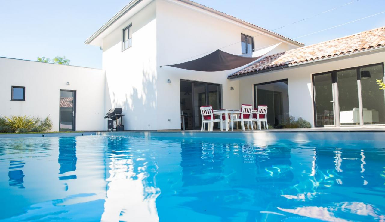 seignosse-holiday-villa-with-pool-villa-libert-pool-view
