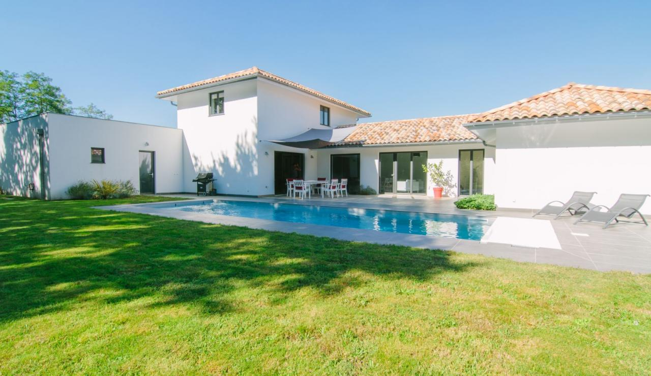 seignosse-holiday-villa-with-pool-villa-libert-garden