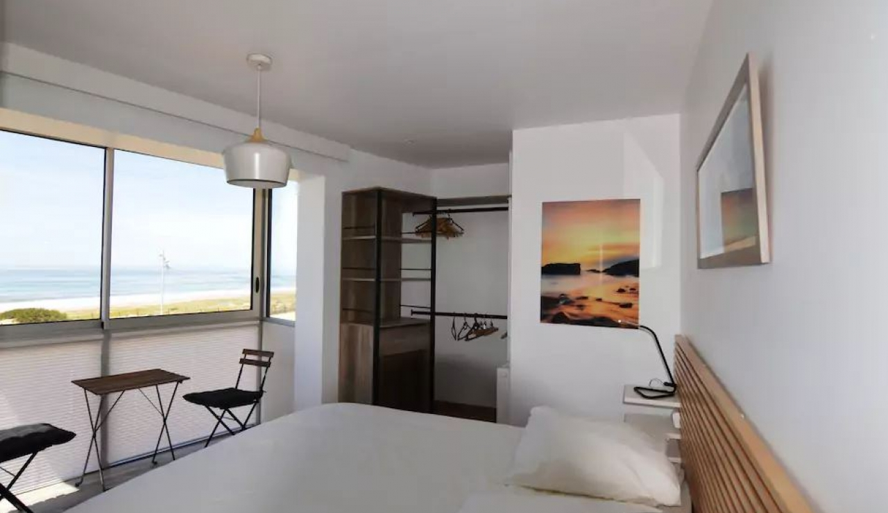 hossegor-beach-apartment-les-atlantes-bedroom-view