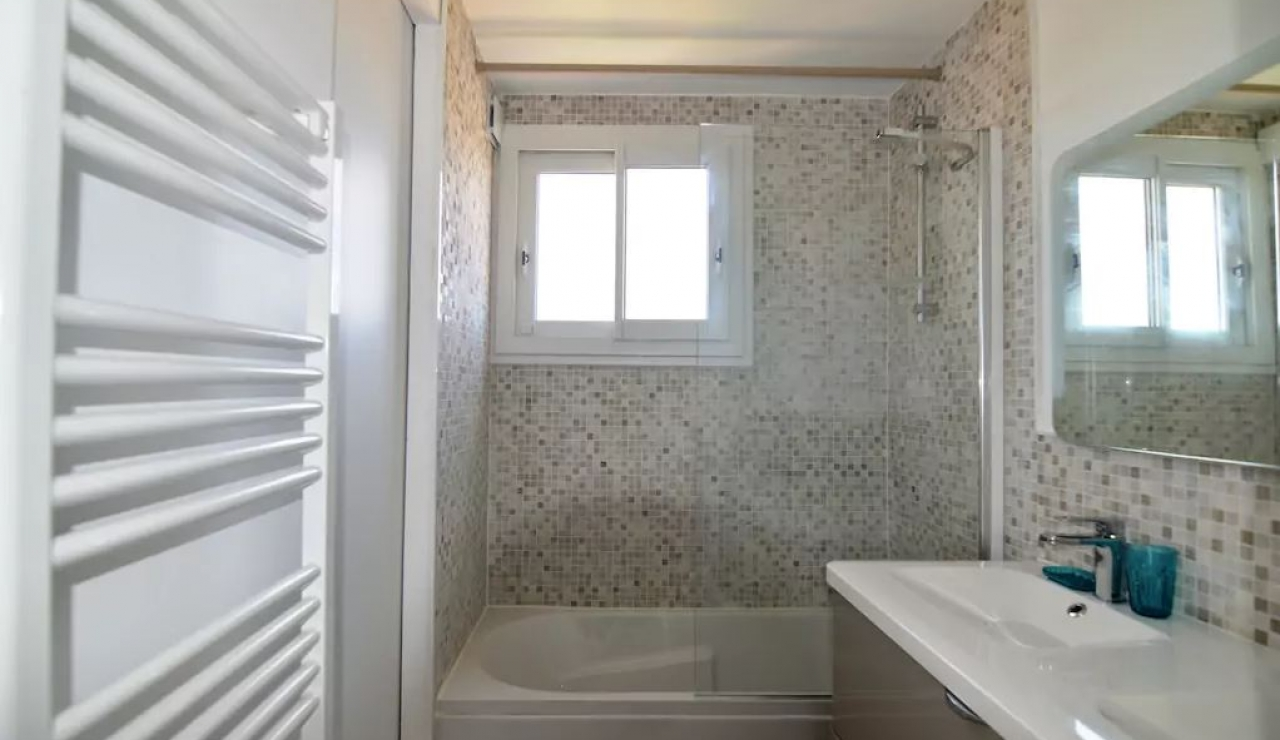 hossegor-beach-apartment-les-atlantes-bathroom