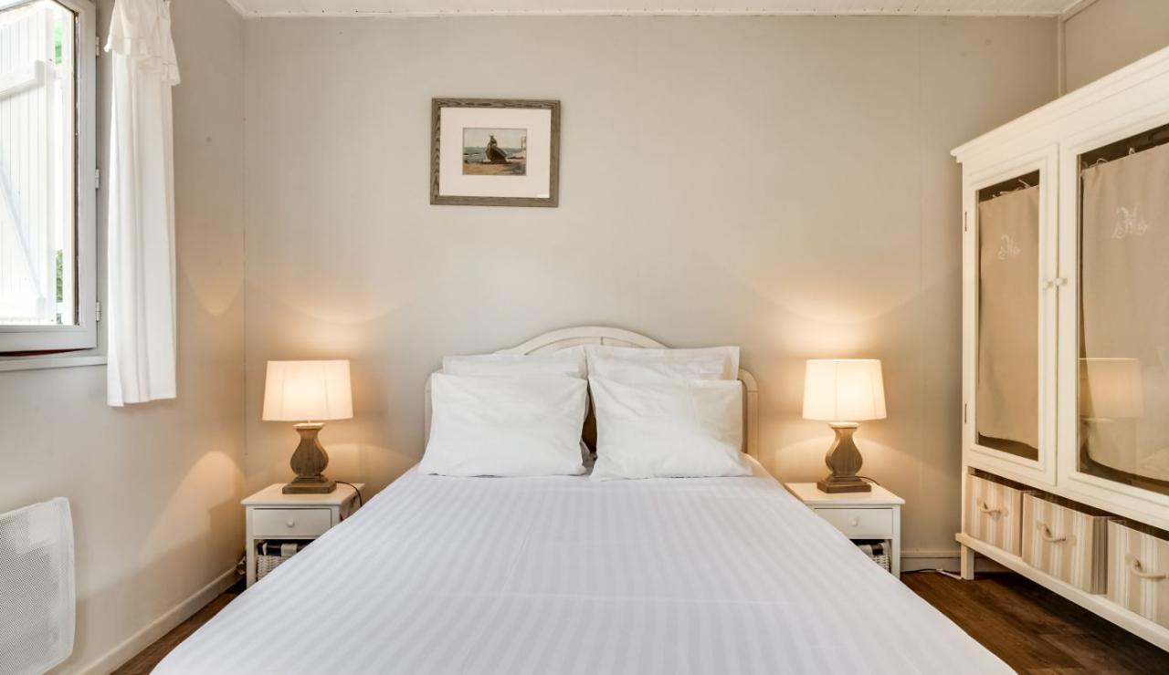 cap-ferret-beach-house-bedroom-3