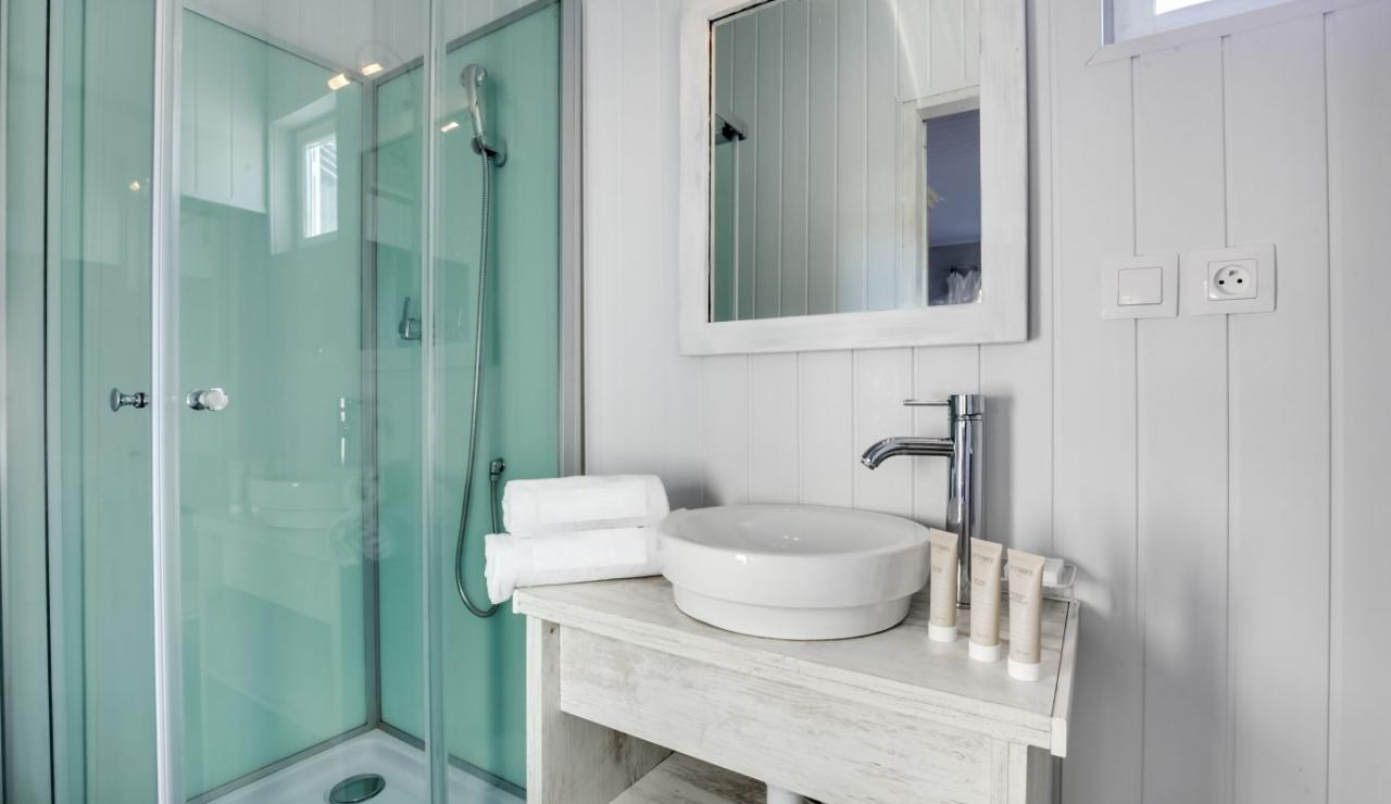 cap-ferret-beach-house-bathroom-2