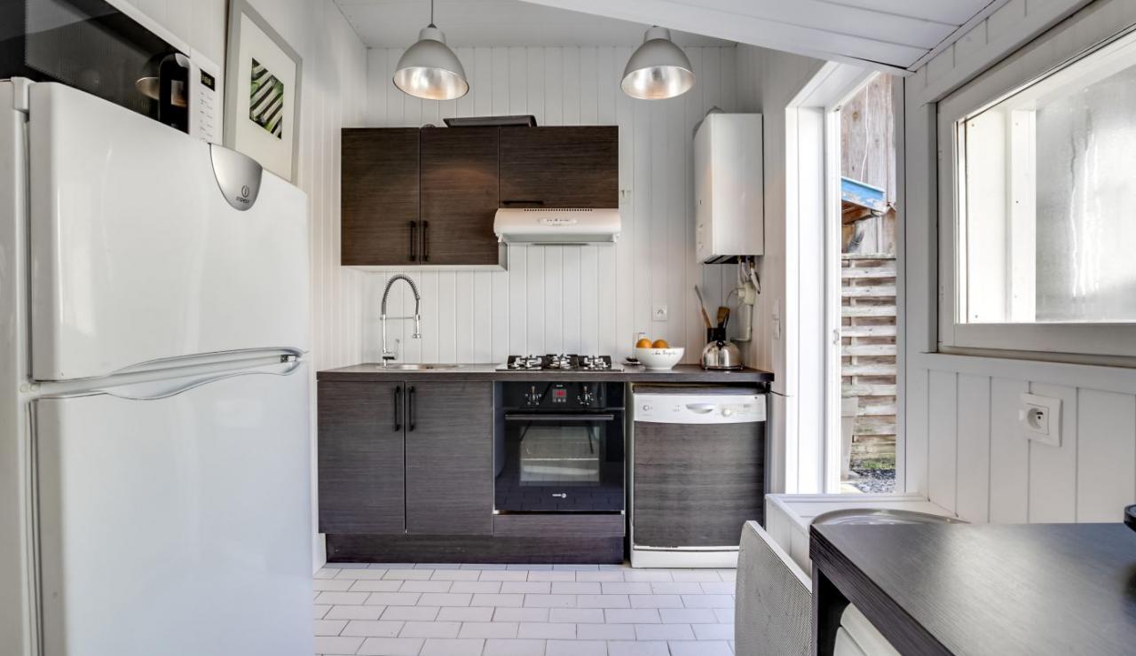 cap-ferret-beach-house-kitchen