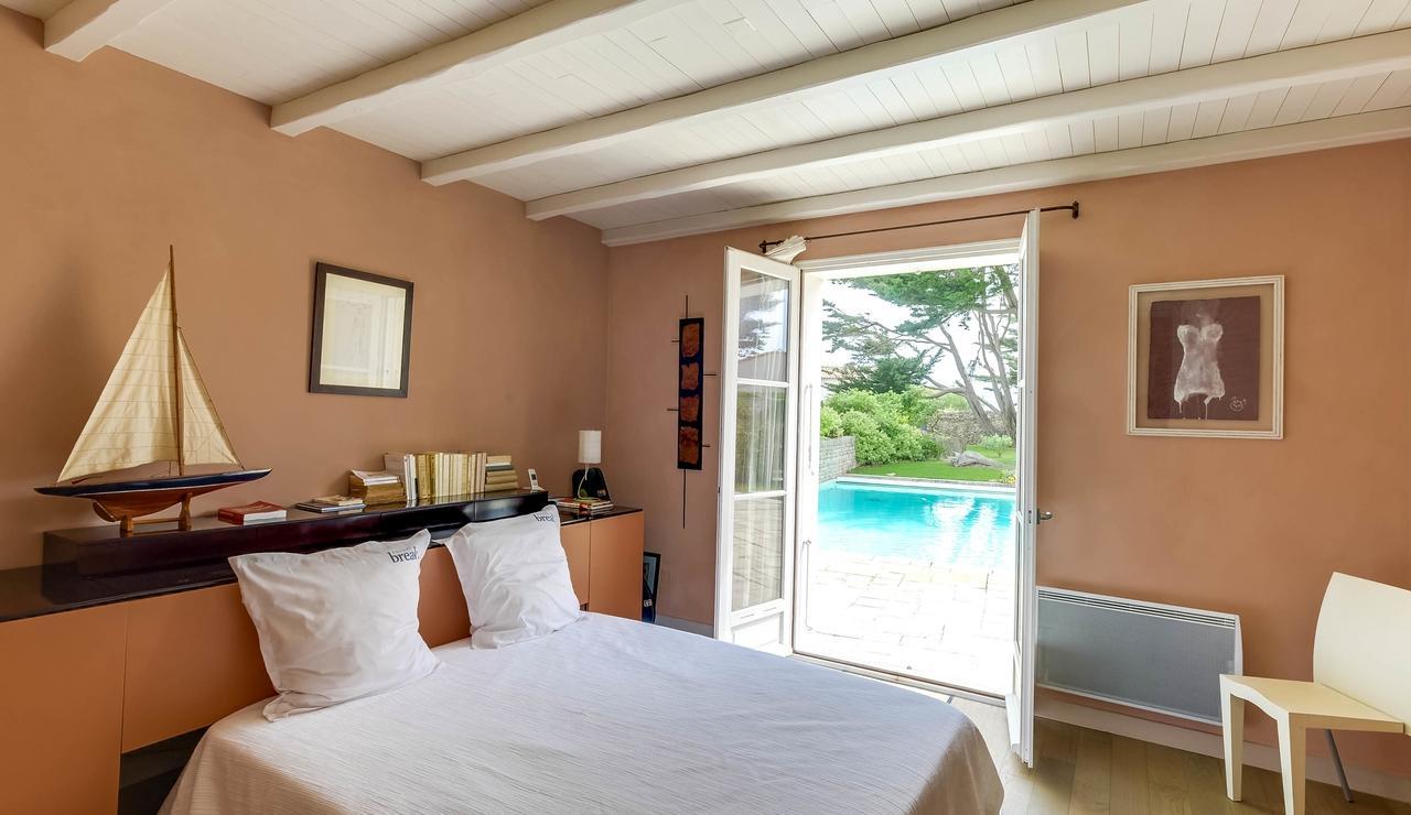 sainte-marie-ile-de-re-villa-bedroom-2